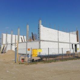 Trwają prace przy budowie sali gimnastycznej w Załakowie